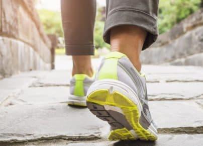 Tốc độ đi bộ tiết lộ bạn già nhanh thế nào